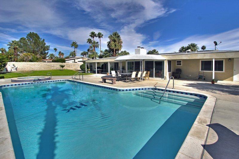 Large Backyard  Pool  - Burton Sunrise - Palm Springs - rentals