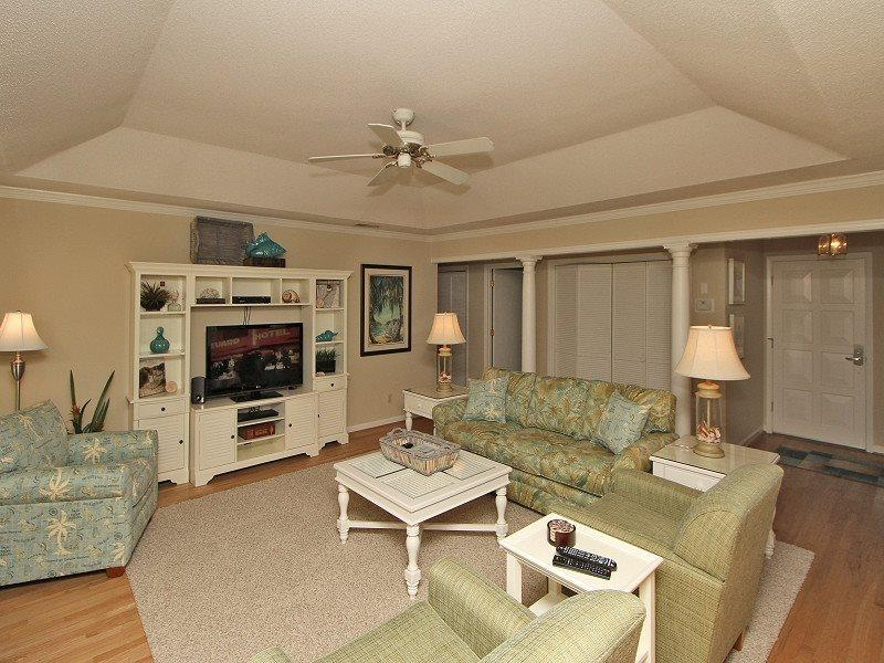 Living Room with Flat Screen at 44 Old Military Road - 44 Old Military Road - Sea Pines - rentals