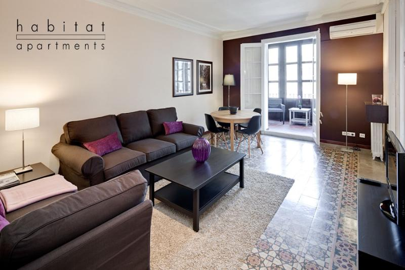 Lauria Gallery, Central  apartment with veranda - Image 1 - Barcelona - rentals