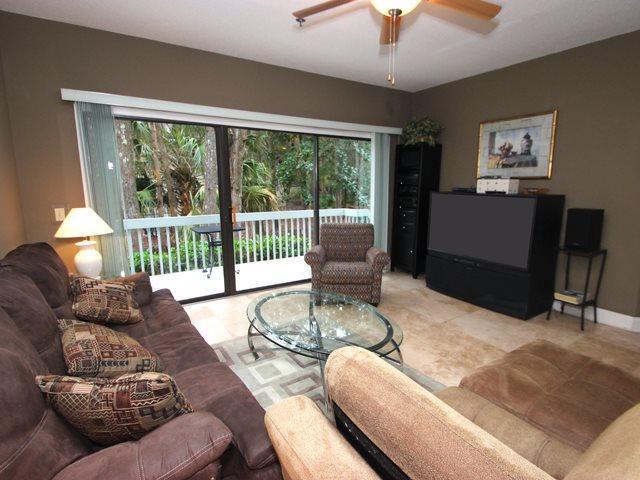 Living area 2 - Ocean Breeze, 85 - Hilton Head - rentals