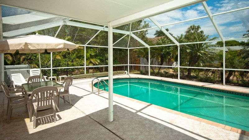 pool - 217 84th Street - Holmes Beach - rentals