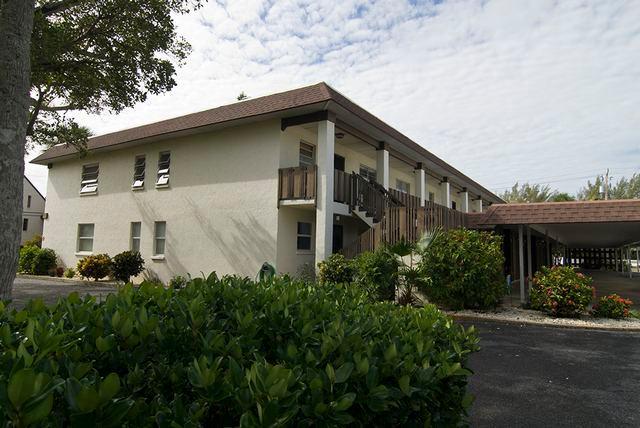 Exterior - Cayman Cay - Holmes Beach - rentals