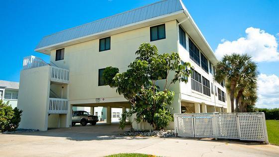 Complex-Exterior - Gulf Watch - Bradenton Beach - rentals