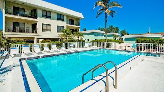 Complex Pool - Gulf Watch 104 - Bradenton Beach - rentals