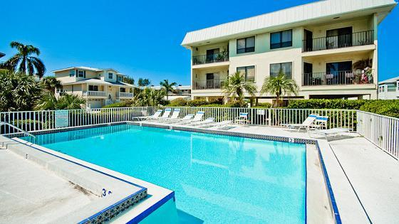 Pool - Gulf Watch 111 - Bradenton Beach - rentals