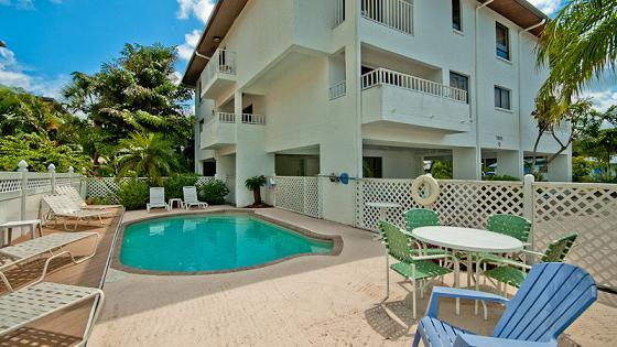 Pool area - Gulf View Townhouses 3 - Holmes Beach - rentals