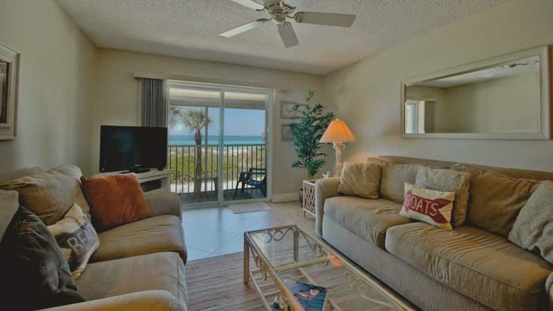 Livingroom - Island Beach Club 24 - Holmes Beach - rentals
