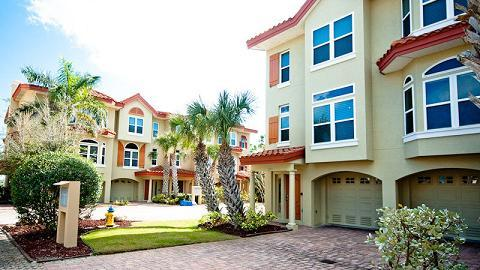 Front exterior - Bradenton Beach Club 251 - Bradenton Beach - rentals