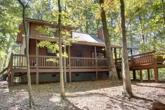 Mountain Haven~Wooded setting on 2.8 acres with seasonal mountain view, Indian Bent Trees on property, king bed in master suite, high speed internet and private hot tub only $99.00/Night! - Image 1 - Blue Ridge - rentals