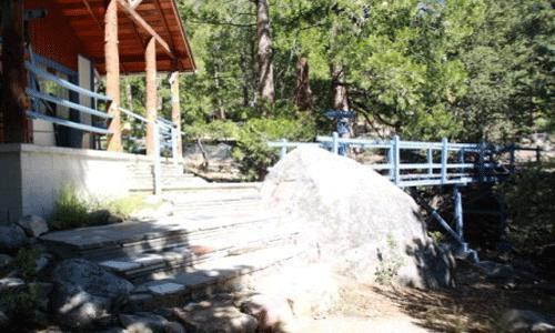3 Bedroom, 2 Bath, Sleeps 8, Pets Ok: Cabin with bridge over stream - Harmony Bridge - Idyllwild - rentals