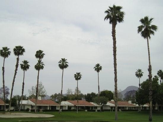 DUR42 - Rancho Las Palmas Country Club - 2 BDRM + DEN, 2 BA - Image 1 - Rancho Mirage - rentals