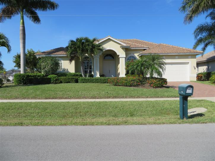Front of Home - Marq400 - 400 Marquesas Court - Marco Island - rentals