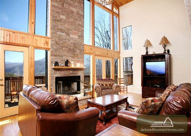 The Bear's Lair   Mountain Views Hot Tub Gaming Jacuzzis   Free Nights - Image 1 - Gatlinburg - rentals