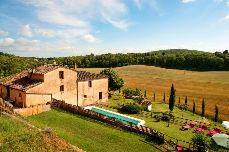 Villa Podere Le Caggia.........your home away from home in Tuscany!!!!        . - Villa,Pool, Hot tub,free WiFi,15km from Siena - Siena - rentals