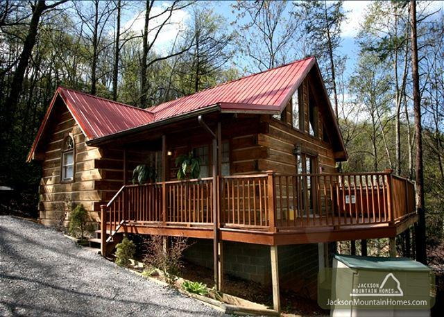 A Heavenly Escape  King Bed Wooded View Hot Tub Fireplace  Free Nights - Image 1 - Gatlinburg - rentals