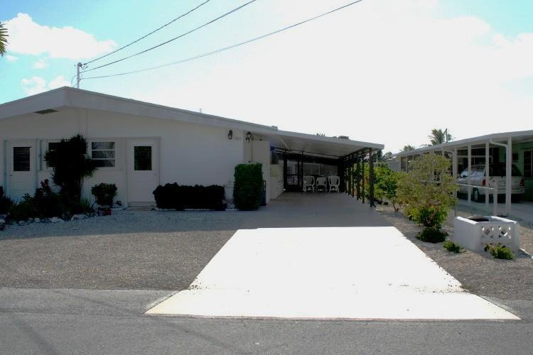 Front of unit - Salida Del Sol, close to Inch Beach, # 85A - Key Colony Beach - rentals
