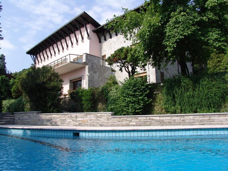 Lake Maggiore lakefront villa with pool and beach - Image 1 - Belgirate - rentals