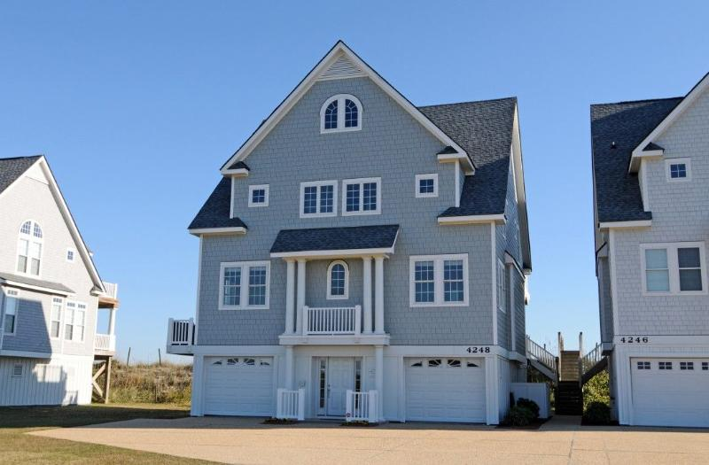 4248 Island Dr - Island Drive 4248 Oceanfront! | Internet, Community Pool, Hot Tub, Elevator, Game Equipment, Jacuzzi, Fireplace - North Topsail Beach - rentals