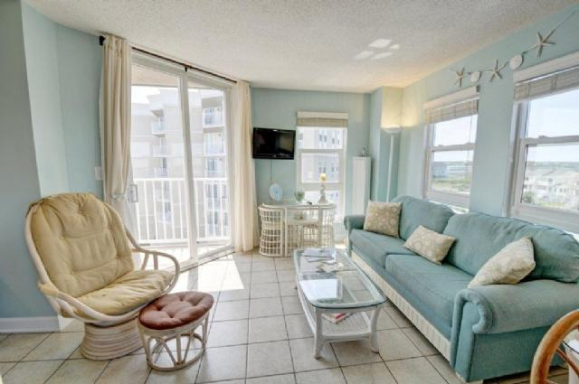 Living Room - St. Regis 2401 Oceanfront! | Indoor Pool, Outdoor Pool, Hot Tub, Tennis Courts, Playground - North Topsail Beach - rentals