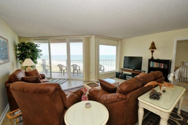 Living Room - St. Regis 3409 Oceanfront! | Indoor Pool, Outdoor Pool, Hot Tub, Tennis Courts, Playground - North Topsail Beach - rentals