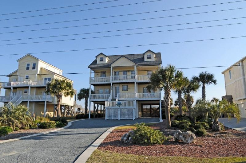 3686 Island Dr - Island Drive 3686 Oceanfront! | Private Heated Pool, Hot Tub, Jacuzzi, Internet, Linens Provided Discounts Available- See Description!! - North Topsail Beach - rentals
