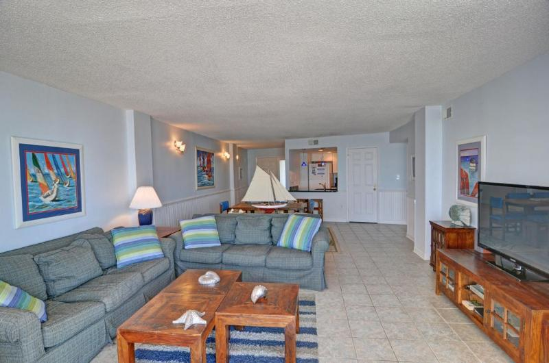 Living Area - St. Regis 2508 Oceanfront! | Indoor Pool, Outdoor Pool, Hot Tub, Tennis Courts - North Topsail Beach - rentals