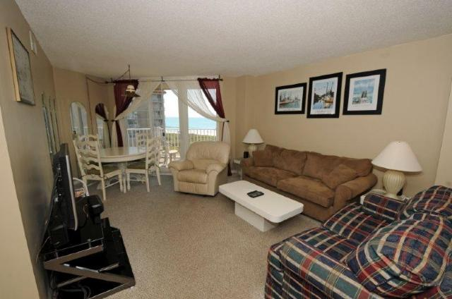 Living & Dining - St. Regis 2413 Oceanfront! | Indoor Pool, Outdoor Pool, Hot Tub, Tennis Courts, Playground - North Topsail Beach - rentals