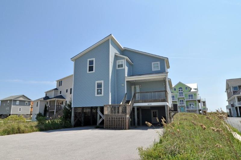 636 Hampton Colony - Hampton Colony 636 Oceanfront-B Lot! | Community Pool, Wedding Friendly, Jacuzzi - North Topsail Beach - rentals