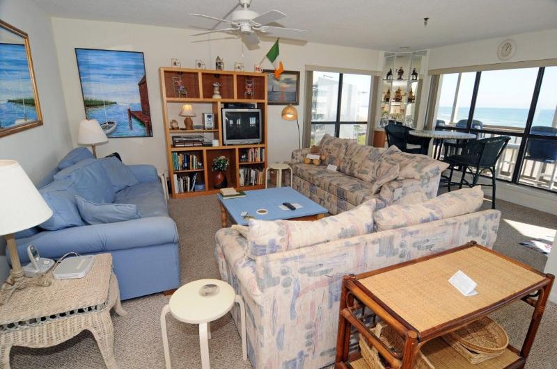 Living Room - Topsail Dunes 3309 Oceanfront! | Community Pool, Tennis Courts, Grill Area, Elevator, Internet - North Topsail Beach - rentals