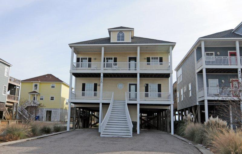 4420 Island Dr - Island Drive 4420 Oceanfront-B Lot! | Hot Tub, Elevator, Jacuzzi, Internet, Wedding Friendly - North Topsail Beach - rentals