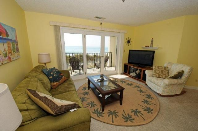Living Room - Villa Capriani 114-B Oceanfront! | 3 Pools, Largest Pool on NC Coast, 2 Hot Tubs, Grill Area, Tennis Courts, Restaurant, and Internet - North Topsail Beach - rentals