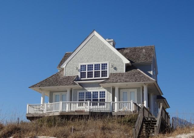 4216 Island Dr - Island Drive 4216 Oceanfront! | Community Pool, Jacuzzi, Fireplace - North Topsail Beach - rentals
