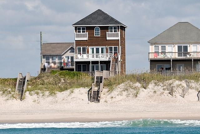 I'm on a boat! - Island Drive 4474 Oceanfront! | Internet, Jacuzzi, Electric Fireplace - North Topsail Beach - rentals