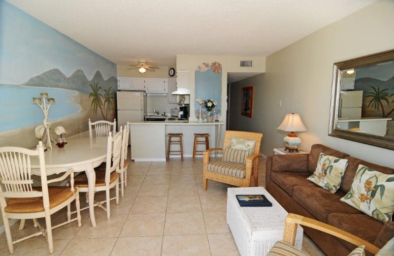 Living Room - Topsail Dunes 1110 Oceanfront! | Community Pool, Tennis Courts, Grill Area - North Topsail Beach - rentals
