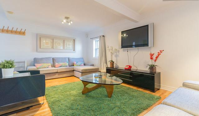 Location - Location - Location !!! On the famous St-Denis str, only 5 min walk to Mont-Royal Metro - AMAZING LOCATION: St-Denis street ! Max 13 guests! - Montreal - rentals