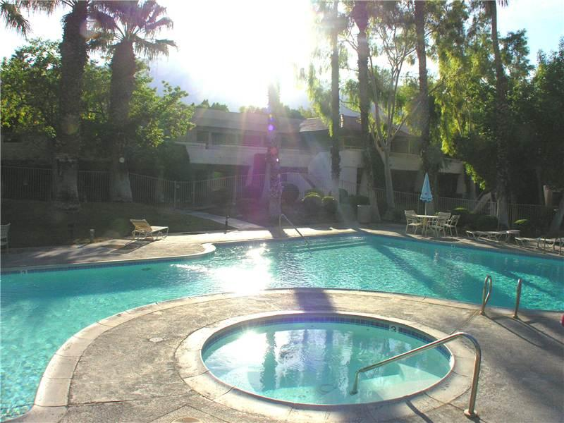 PS Villas II Beauty - Image 1 - Palm Springs - rentals
