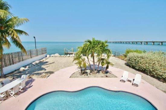 Sea ForeverDirect Oceanfront Pool Home in Marathon - Image 1 - Marathon - rentals