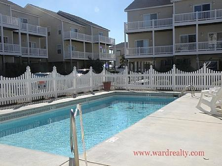 Outdoor Community Pool - Hoos At The Beach - Surf City - rentals