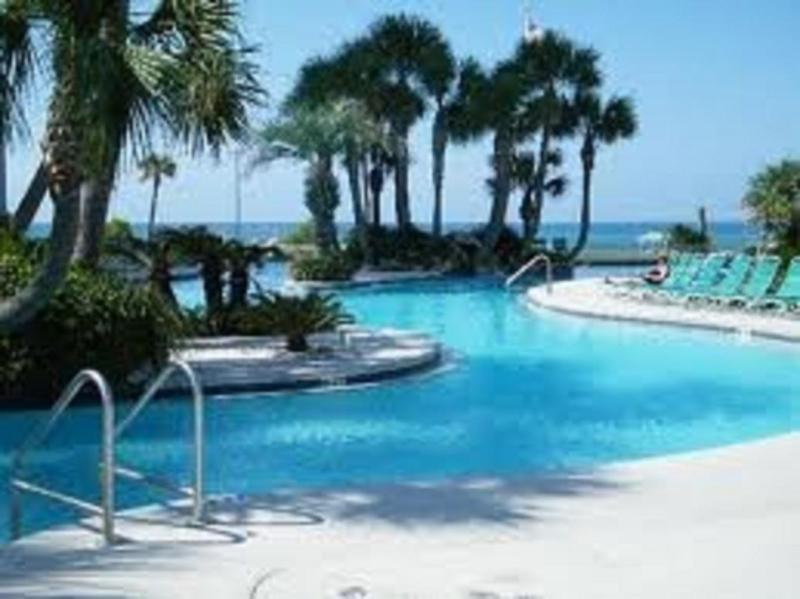 Gorgeous lagoon pool - August Spec!LongBeach ALL GULF FRONT SLEEPS 11 !!! - Panama City Beach - rentals
