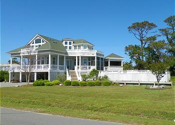 N4009- A SOUND LOVE; Luxurious Soundfront Beauty! - Image 1 - Nags Head - rentals
