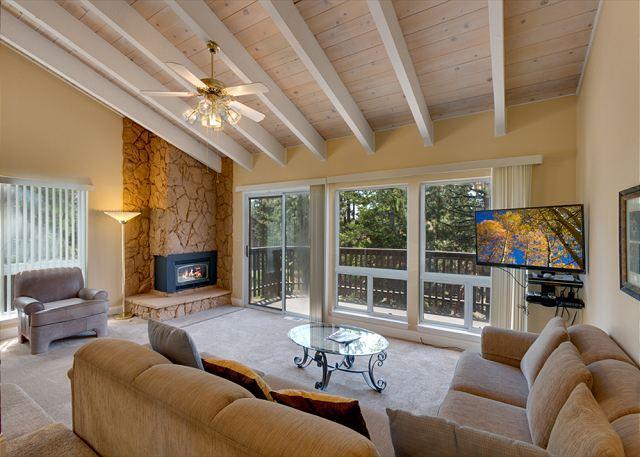 3 Bedroom Lake Village Condo (LV105B) - Image 1 - Stateline - rentals