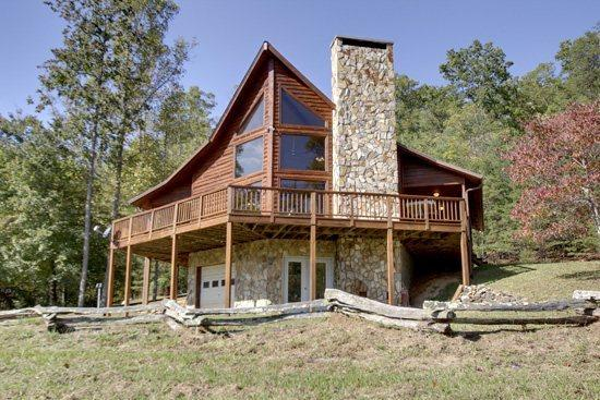 LOWER VIEW OF CABIN - BEAVER`S MOUNTAIN ESCAPE*2 BEDROOM-2 BATHROOM-SLEEPS 8-MOUNTAIN VIEW-WIFI-PET FRIENDLY-GAS GRILL-FIRE PIT-ONLY $125/NIGHT - Blue Ridge - rentals