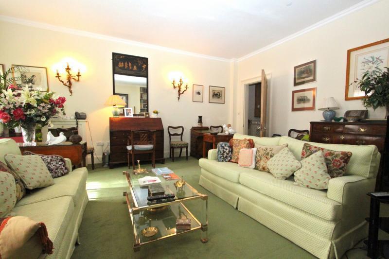 Free Wifi at Belgravia Home in London - Image 1 - London - rentals