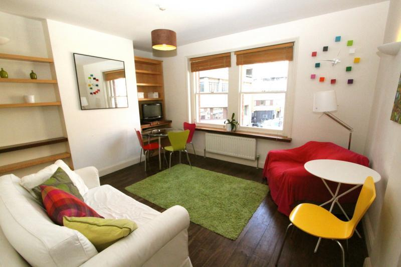Soho Vacation Rental with Free Wifi and Discounts - Image 1 - London - rentals
