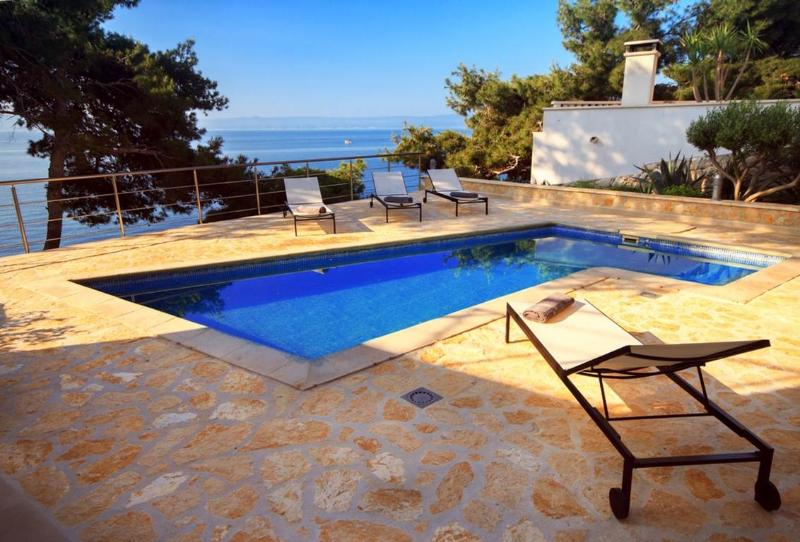 Seafront villa with pool for rent, Sumartin, Brac island - Seafront villa with pool for rent, Sumartin,  Brac - Sumartin - rentals