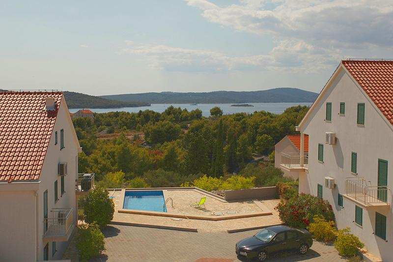 Gorgeous apartment for rent, Milna, Brac apt. 4 - Image 1 - Cove Makarac (Milna) - rentals