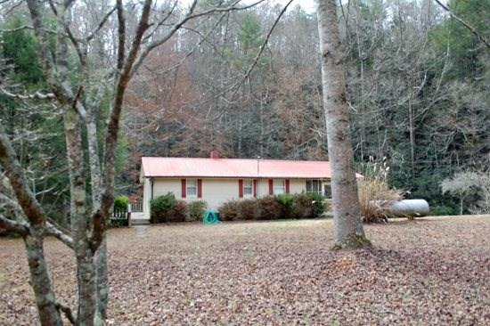 Murphys Fish Camp*Rustic fish camp just feet from Mountain Town Creek~2 bed~1 bath~Sleeps 6~Hot Tub~firepit~WIFI~Only $125/night - Image 1 - Blue Ridge - rentals