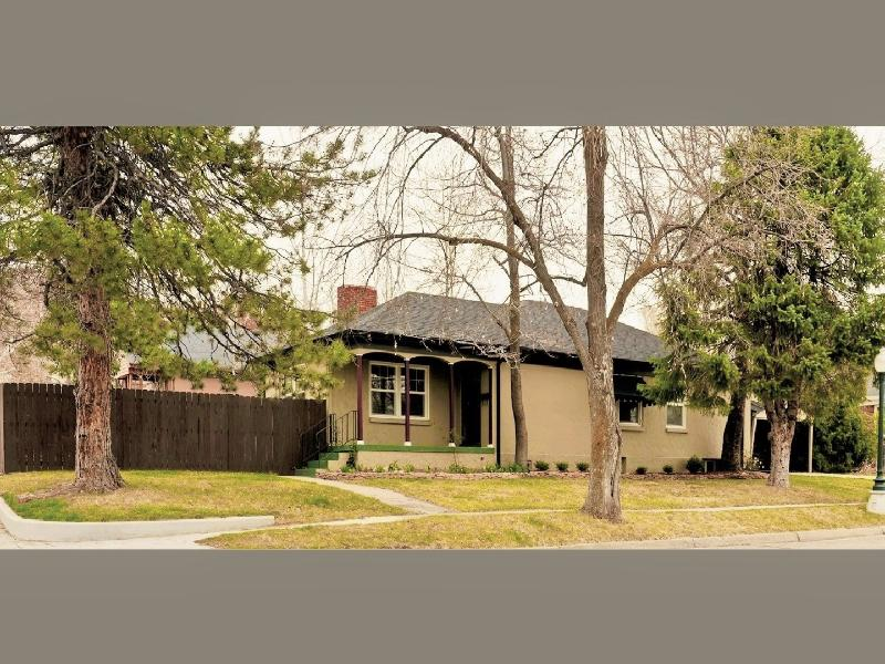 Located on a shady street in a quiet neighborhood - Salt Lake House Near Foot of the Mountains - Salt Lake City - rentals