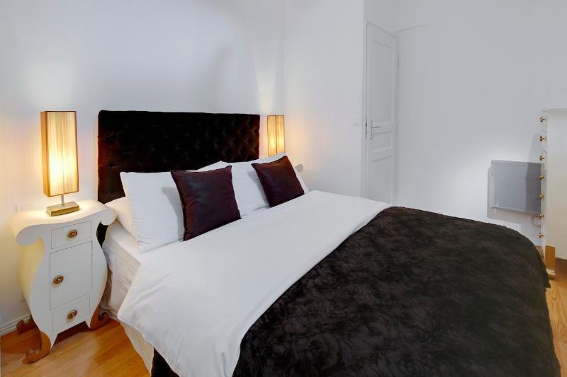 Chocolat- Elegant Vieux Nice 1 Bedroom Apartment in Great Area - Image 1 - Nice - rentals