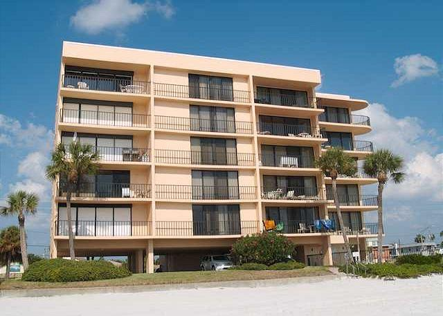 Beachfront vacation rental at the Trillium on Madeira Beach Flor - Trillium #4C - Madeira Beach - rentals